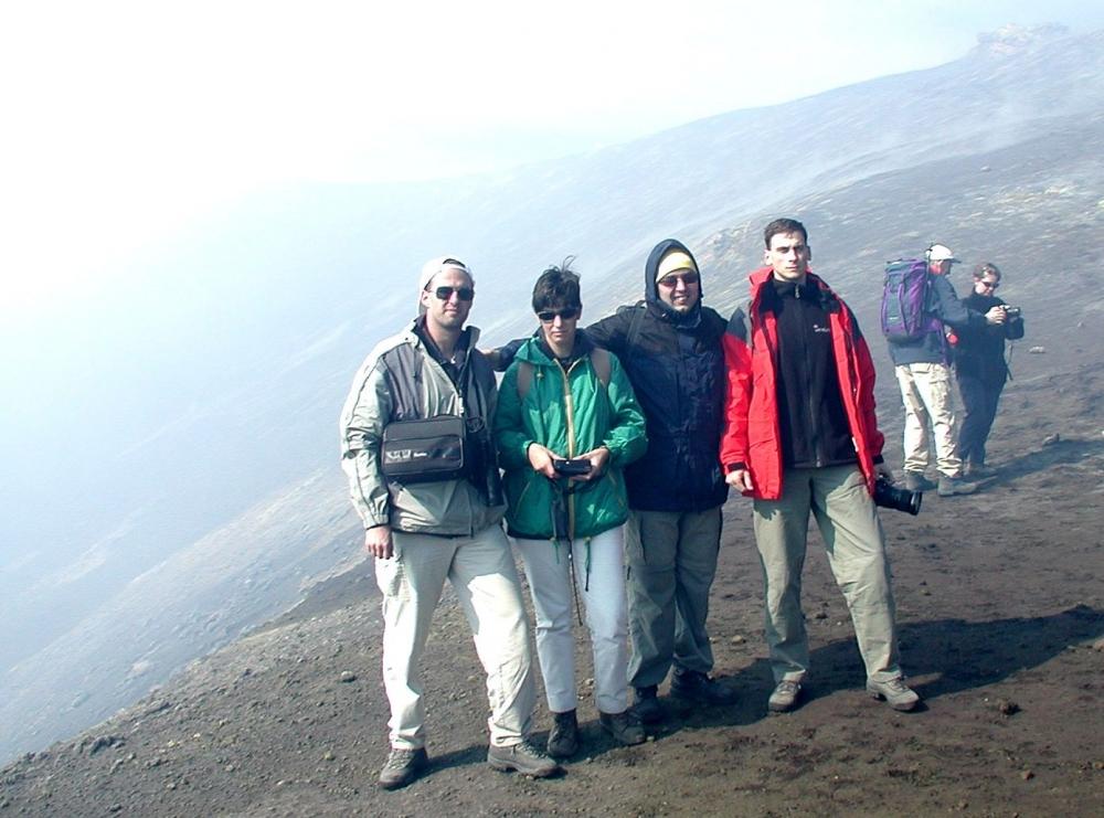 Csapatunk a Központi-kráter peremén
