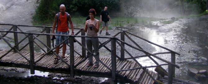 A hely szemrevételezése közben (Dobos Péter, Kupi Tímea, Fónyad Csaba)