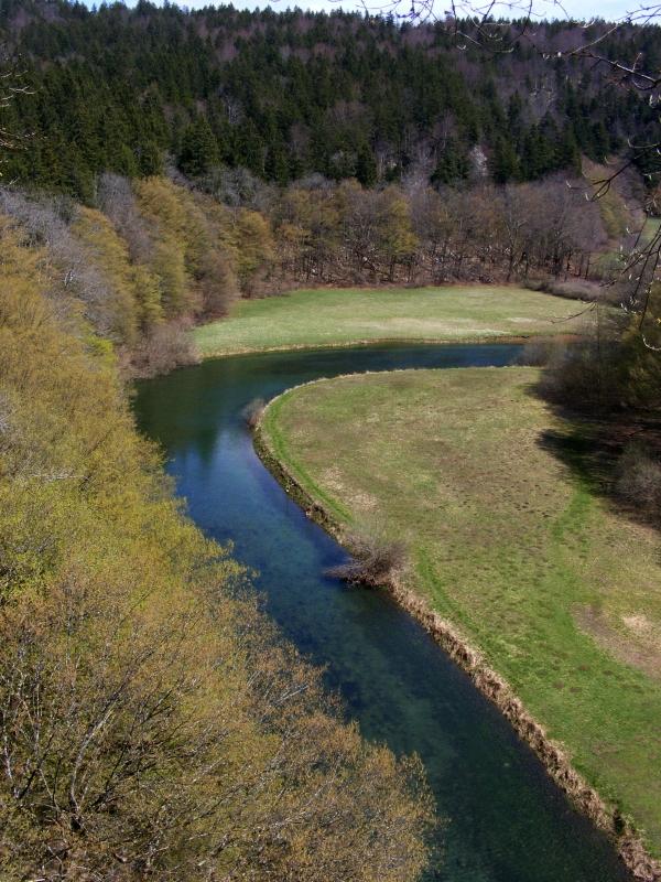 Rak-folyó medre vízben (tavaszi felvétel)
