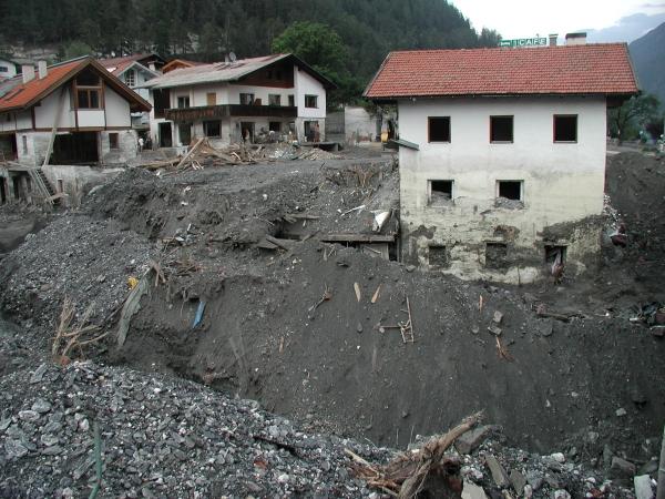 Az alsó szintet az áradás plafonig töltötte a hordalékkal