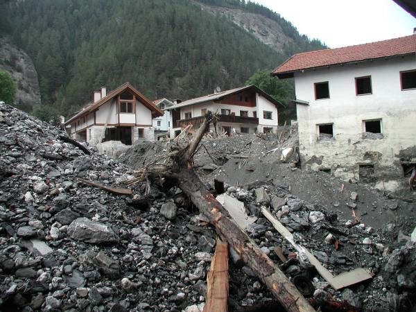 Házak romokban