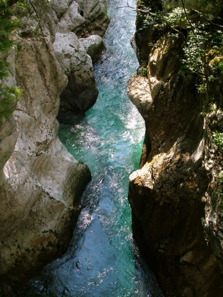 Részlet a Soča-folyó vadregényes szurdokából