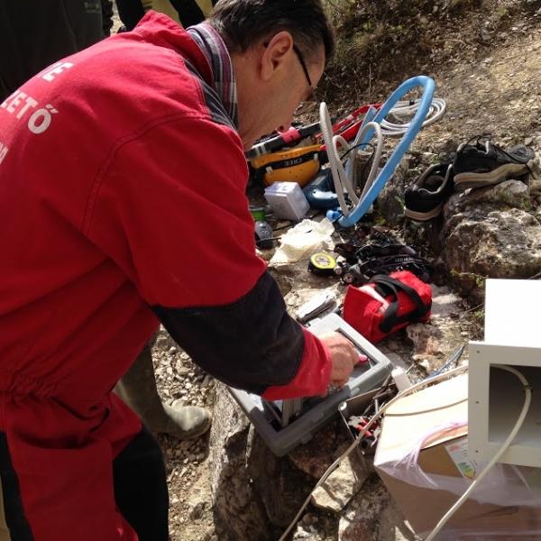 A barlangi munkálatok előkészületei a felszínen