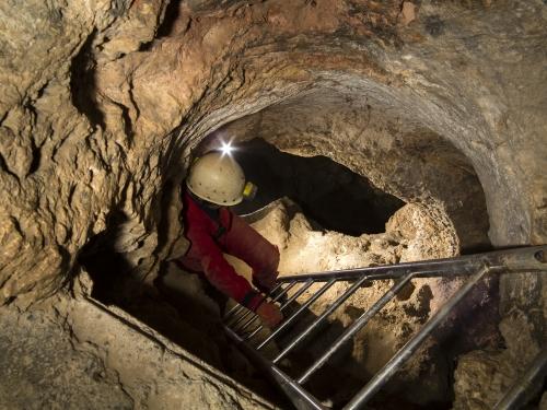 Lejárat a barlangba