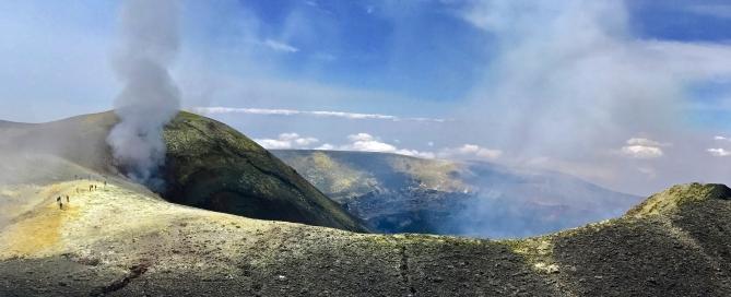Az Etna Központi-krátere