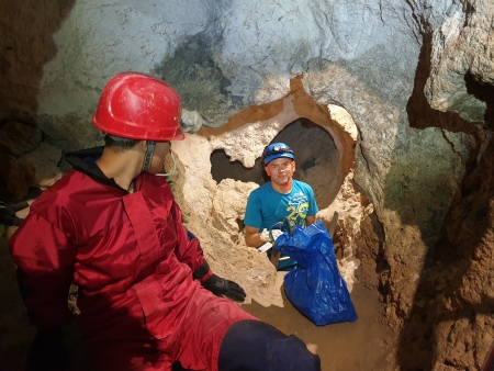 Anyagkitermelés a barlang ún. Középszintjén