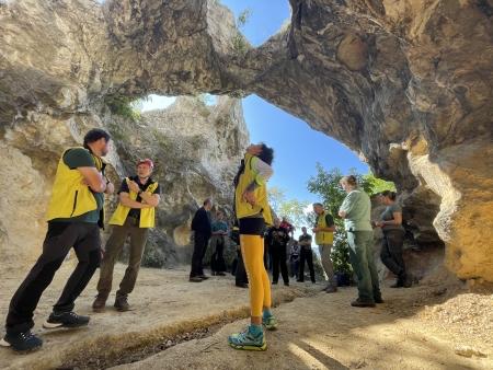 A Tündérkapu valójában a Strázsa-barlang múltban felszakadozott előcsarnoka